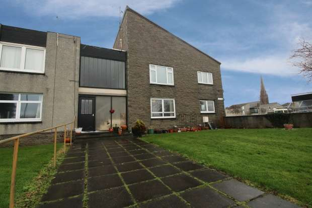 3 Bedrooms Ground Flat for sale in Old Street, Ayrshire, KA26 9HG