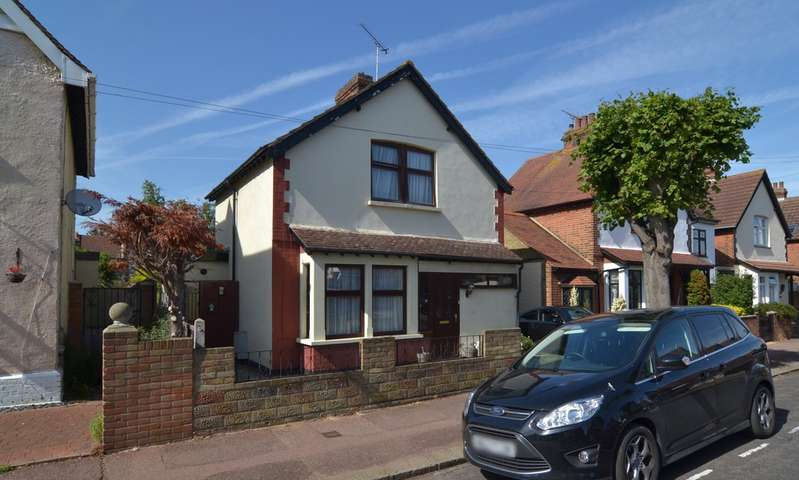 2 Bedrooms Detached House for rent in South Avenue, Southend-On-Sea SS2