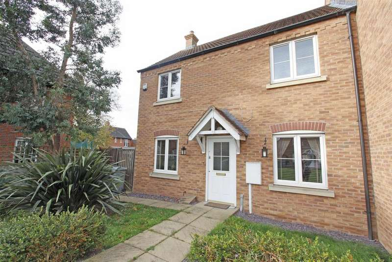 3 Bedrooms Detached House for sale in Merlin Close, Bourne