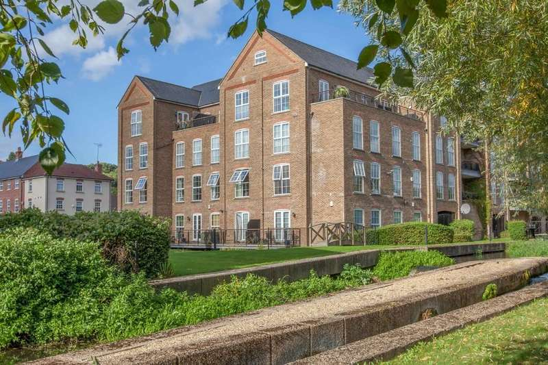 3 Bedrooms Apartment Flat for rent in The Mill, Wooburn Green