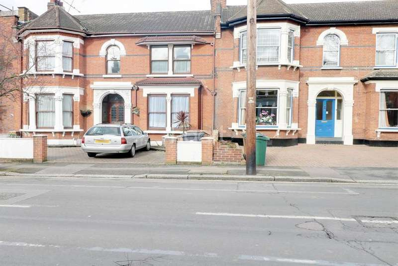 5 Bedrooms Terraced House for sale in Forest Drive West