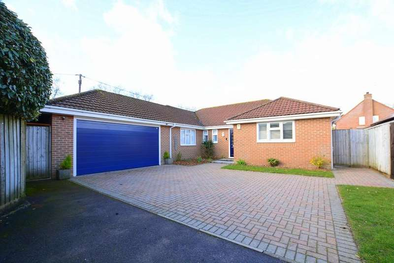 4 Bedrooms Detached Bungalow for sale in Sandhurst Drive, Three Legged Cross