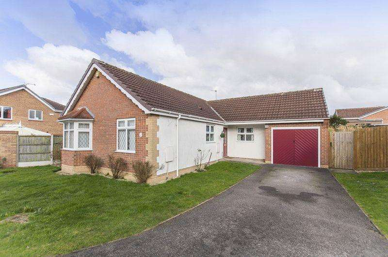 3 Bedrooms Detached Bungalow for sale in Farmlands Lane, Derby