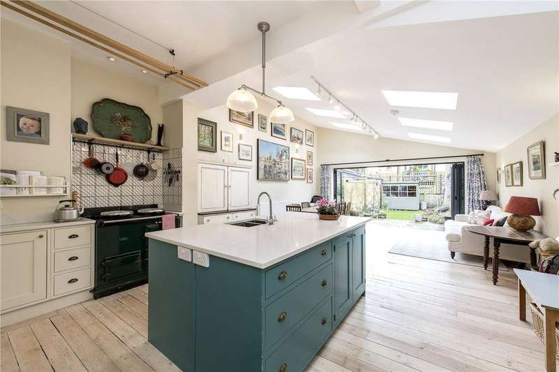 4 Bedrooms Terraced House for sale in Trelawn Road, London, SW2