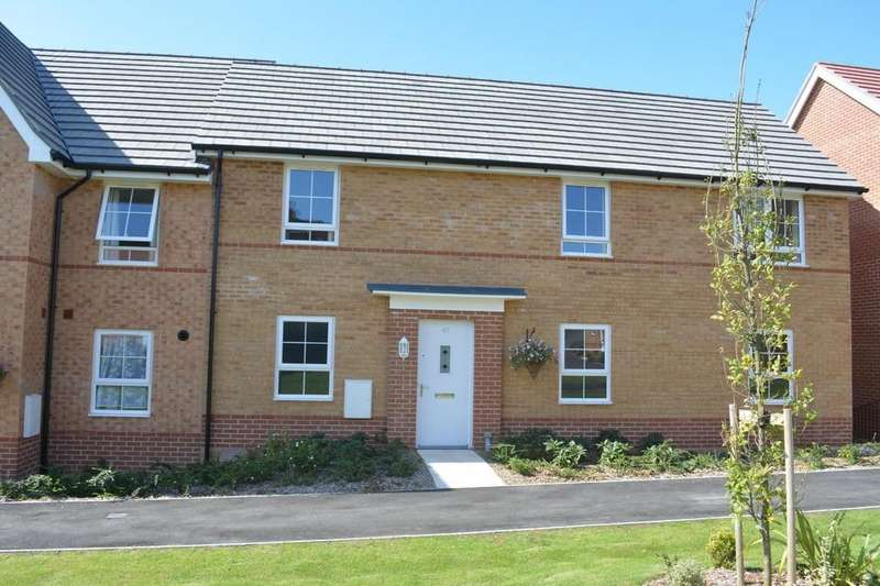 2 Bedrooms Maisonette Flat for rent in Captains Parade, East Cowes