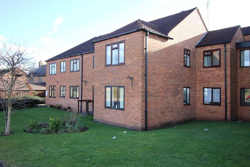 2 Bedrooms Flat for sale in Brentwood Gardens, Brentwood Avenue, Finham, Coventry, West Midlands. CV3 6AS