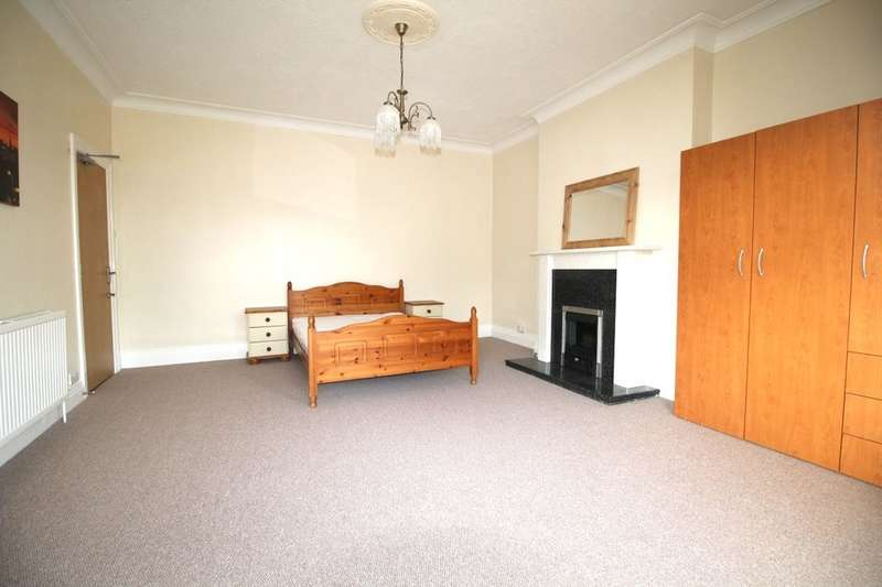 House Share for rent in Milehouse Road, Plymouth, PL3