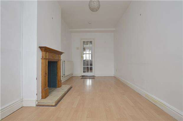 2 Bedrooms Terraced House for rent in Westward Road, Stroud, Gloucestershire