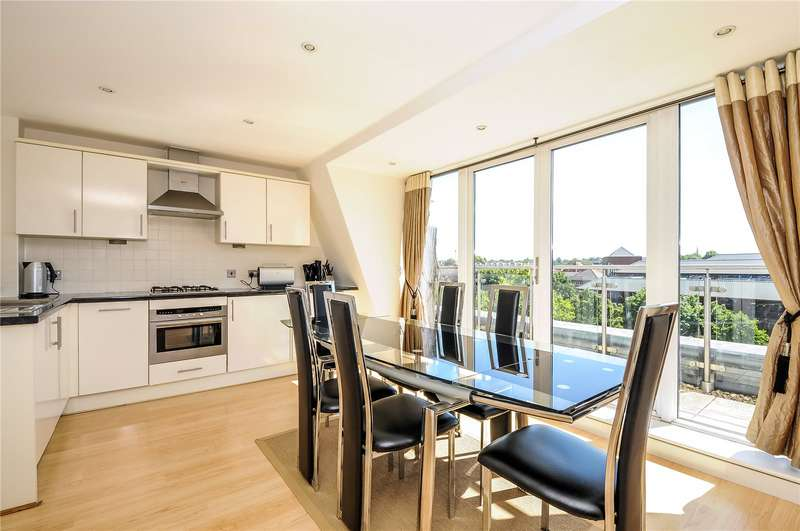 3 Bedrooms Apartment Flat for rent in Oyster Wharf, Crane Wharf, Reading, Berkshire, RG1