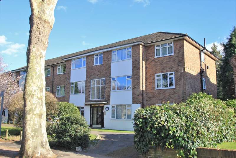 2 Bedrooms Ground Flat for sale in Lovelace Gardens, Surbiton