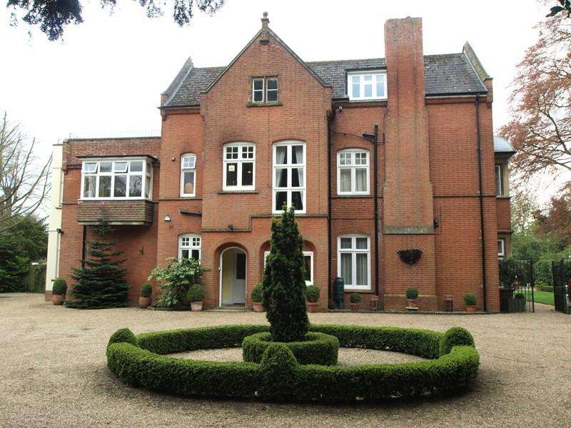 2 Bedrooms Apartment Flat for sale in Newmarket Road, Norwich