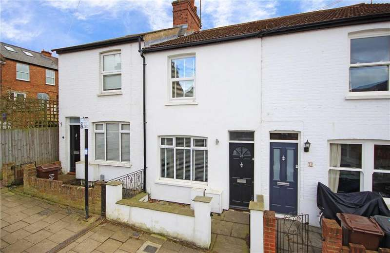 2 Bedrooms Terraced House for rent in Folly Avenue, St. Albans, Hertfordshire