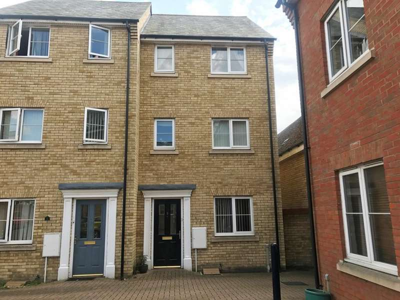 4 Bedrooms Town House for sale in Hutley Drive, Colchester, Essex, CO4