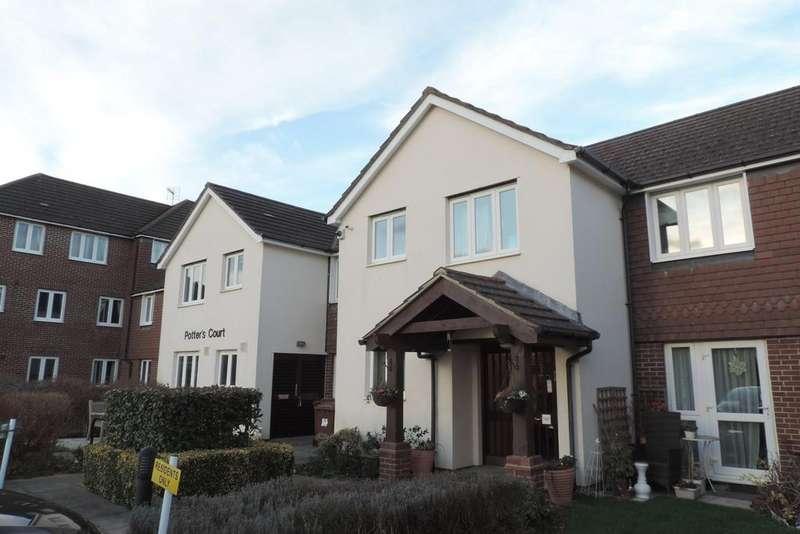 1 Bedroom Retirement Property for sale in Potters Court, Darkes Lane, Potters Bar EN6
