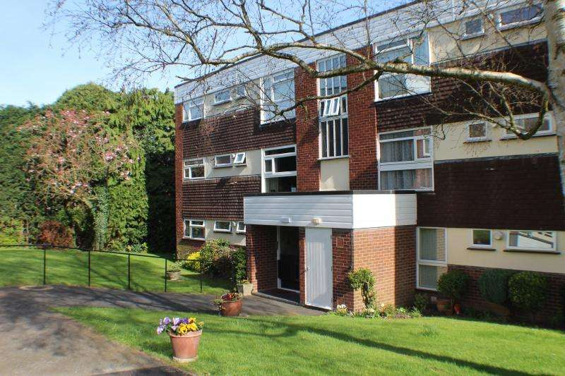 2 Bedrooms Flat for rent in Cobham Court, , Droitwich Spa WR9