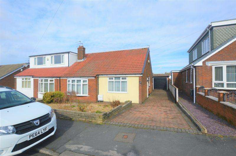 2 Bedrooms Bungalow for sale in Severn Drive, Rochdale