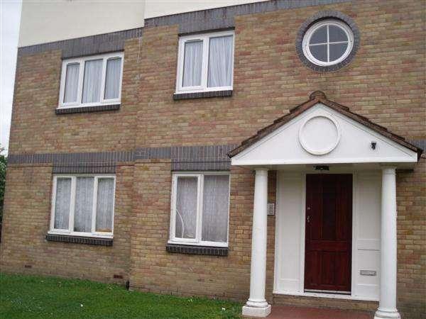 3 Bedrooms Flat for rent in Amhurst Walk, LONDON
