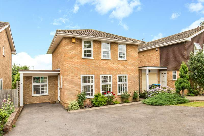 4 Bedrooms Detached House for sale in Bromford Close, Hurst Green, Oxted, Surrey, RH8