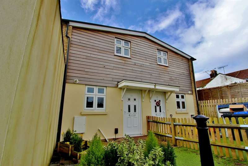 2 Bedrooms House for rent in St Dunstans Road, Worthing, BN13