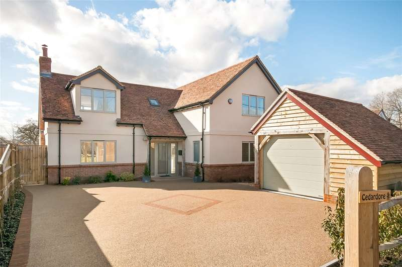 4 Bedrooms Detached House for sale in Tutts Lane, West Wellow, Romsey, Hampshire, SO51
