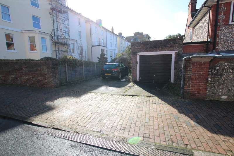 Garages Garage / Parking for sale in Chiswick Place, Eastbourne, BN21 4NH