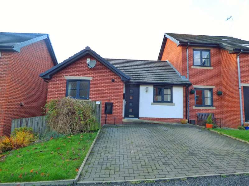 3 Bedrooms Semi Detached House for sale in Owls Gate, Lees, Oldham, Greater Manchester, OL4