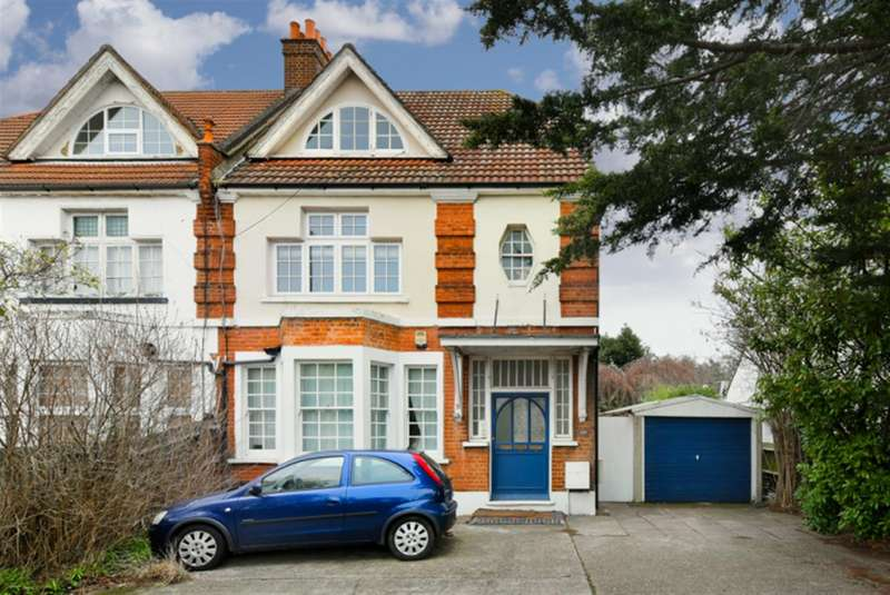 1 Bedroom Property for sale in Ewell Road, Surbiton