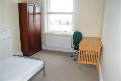 4 Bedrooms House for rent in Clarence Street, City Centre