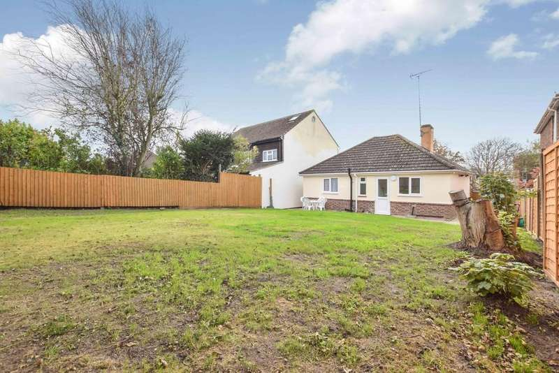 2 Bedrooms Detached Bungalow for sale in St. Andrews Avenue, Colchester, CO4 3AQ