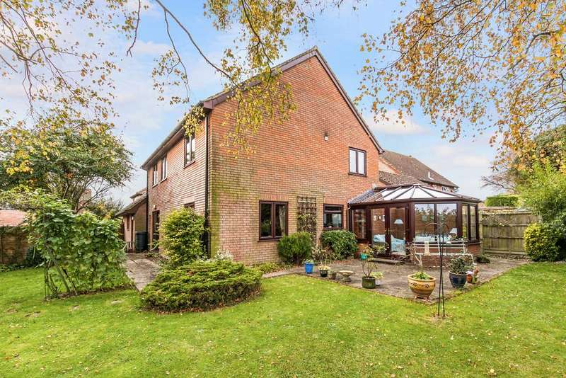 4 Bedrooms Detached House for rent in Long Barrow Close, South Wonston, Winchester, SO21