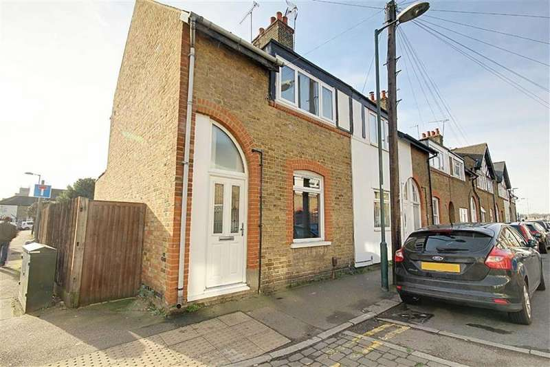 3 Bedrooms End Of Terrace House for sale in Swanfield Road, Waltham Cross