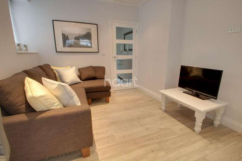 3 Bedrooms Flat for sale in Wake Street, Plymouth
