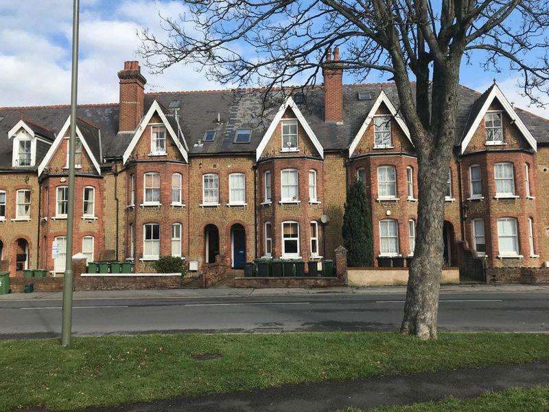 1 Bedroom Apartment Flat for sale in Town Centre, Guildford