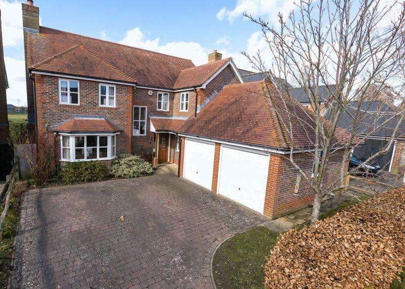 4 Bedrooms Detached House for sale in Duxford Close, Chichester