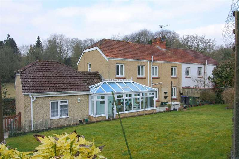4 Bedrooms Semi Detached House for sale in Rural living with beautiful views, four bedroom family home available for viewings