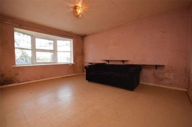 2 Bedrooms Flat for sale in 1016 Harrow Road, WEMBLEY, Middlesex
