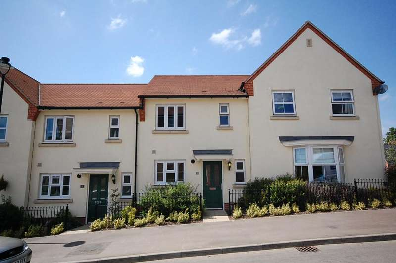 2 Bedrooms Terraced House for rent in Stansted Mountfitchet
