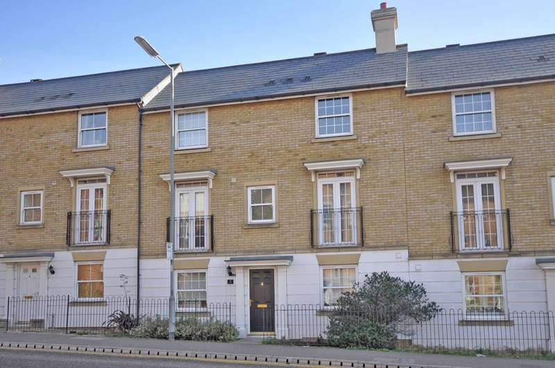 3 Bedrooms Town House for sale in Railway Street, Braintree, CM7