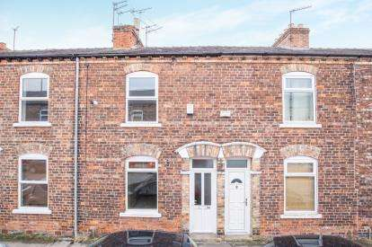 2 Bedrooms Terraced House for sale in Newborough Street, York