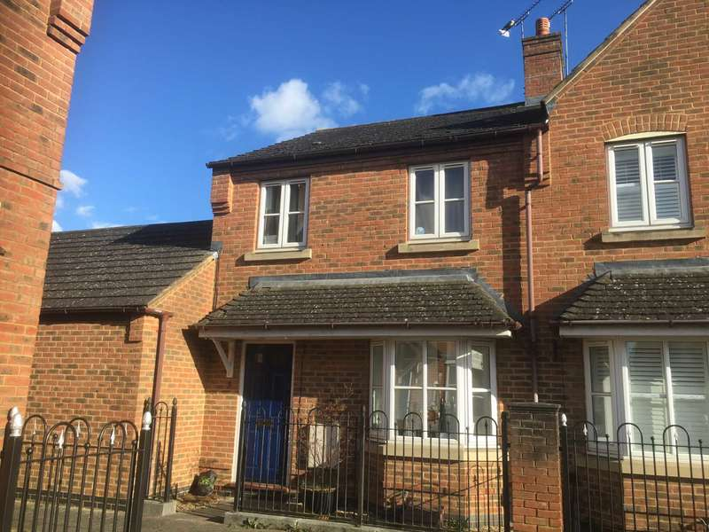 3 Bedrooms House for rent in Turnham Way, Fairford Leys, Aylesbury, Buckinghamshire.
