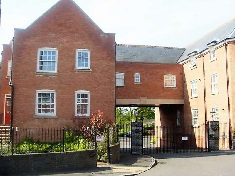2 Bedrooms Flat for rent in Well Lane, Rothwell, NN14 6DQ