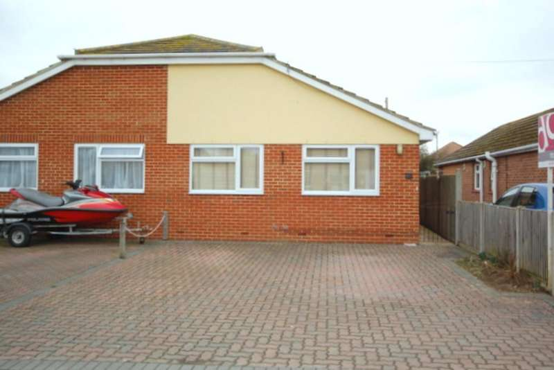 3 Bedrooms Semi Detached Bungalow for rent in Vauxhall Avenue, Herne Bay