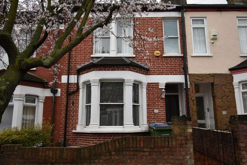 3 Bedrooms House for rent in Myrtledene Road London SE2