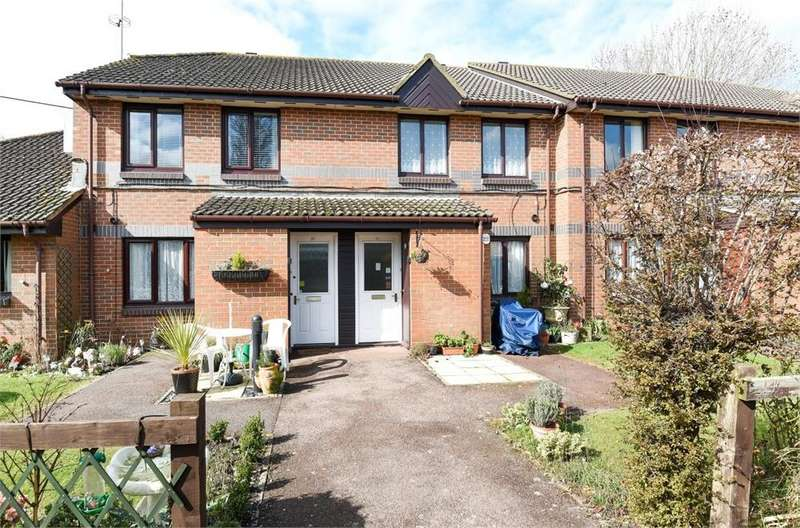 1 Bedroom Flat for sale in Berryscroft Court, Berryscroft Road, Staines-upon-Thames, Surrey