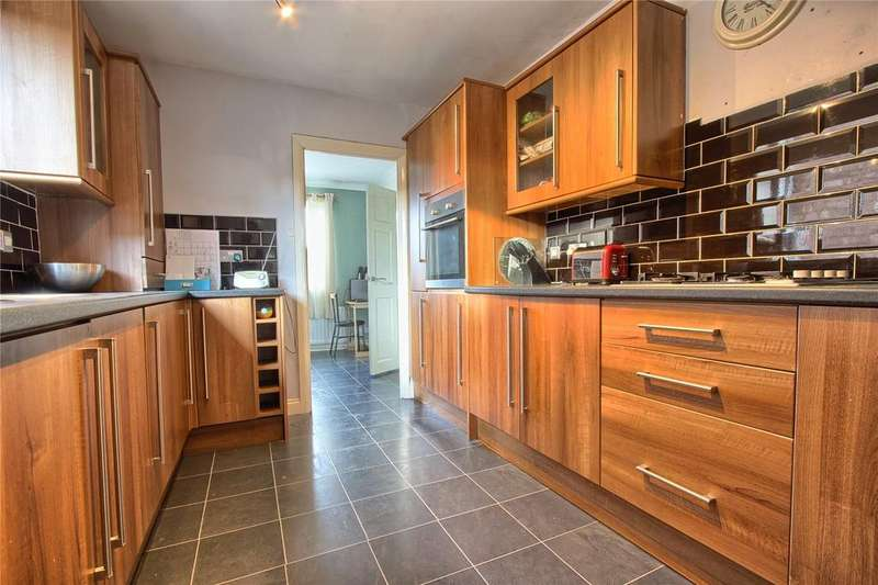3 Bedrooms Semi Detached House for sale in Danby Dale Avenue, Redcar