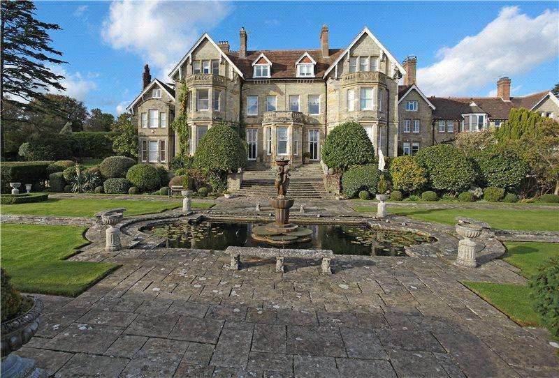 4 Bedrooms House for sale in Oldlands Hall, Oldlands, Herons Ghyll, Uckfield, TN22
