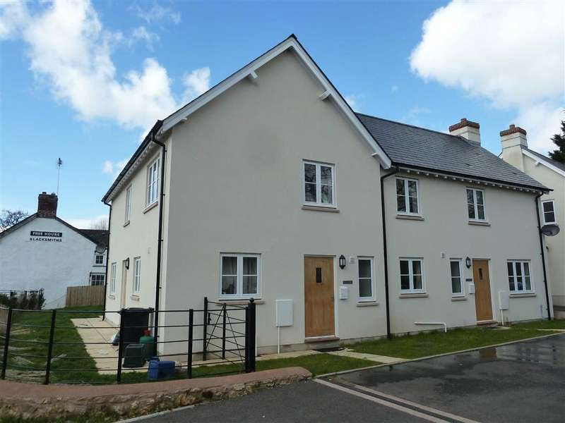 3 Bedrooms Semi Detached House for rent in Cullompton, Devon, EX15