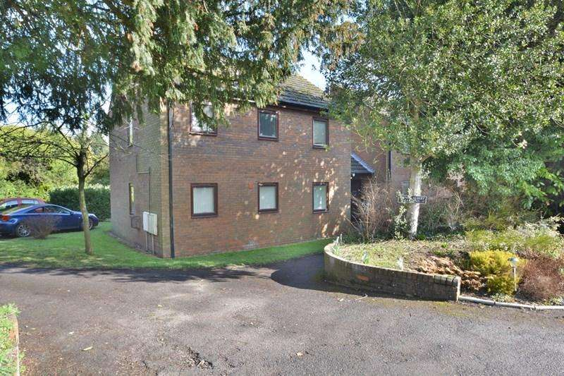 2 Bedrooms Apartment Flat for sale in Prince Albert Gardens, Andover