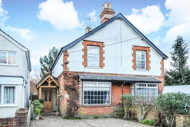 3 Bedrooms Cottage House for rent in Beta Road, Chobham, GU24