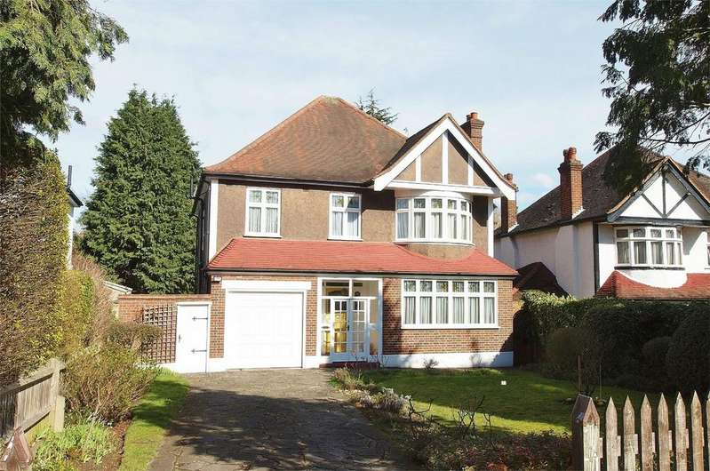 4 Bedrooms Detached House for sale in Albemarle Road, Beckenham, Kent